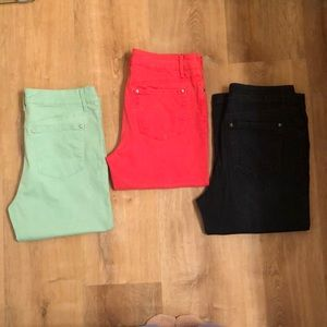 Lot of 3 - Bandolino Mandie Capris - Size 8